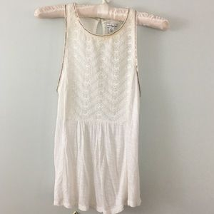 American Eagle sleeveless cream and gold blouse S